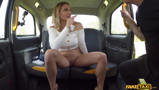 Victoria May squirts in the back seat of the taxi